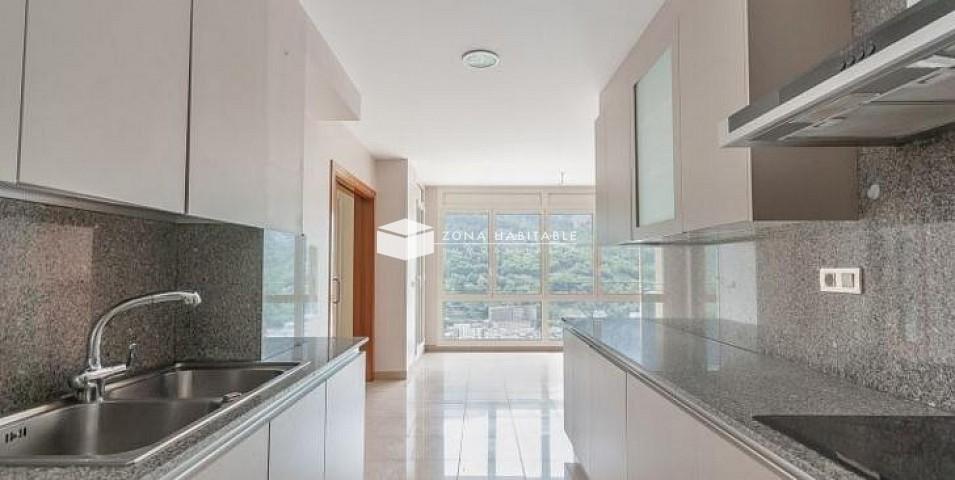 Àtic de lloguer a Escaldes Engordany, 4 habitacions, 189 metres