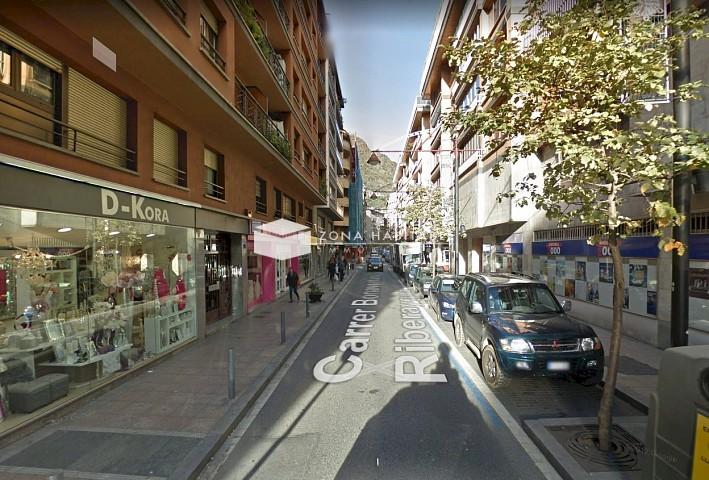 Local comercial de lloguer a Andorra la Vella, 46 metres